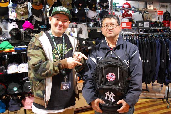 【大阪店】2014.11.22 愛知県からお越しのお客様にスナップにご協力頂きました。ヤンキースグッズをご購入頂きました。また、大阪に遊びに来て下さいね~