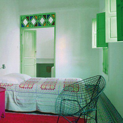 Inspiration : des murs couleur vert d'eau dans une chambre...