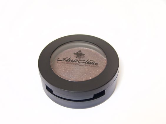 Pressed eye shadow available in 15 colours. Cost: $17 #allnatural #cosmetics #eyeshadow #marienatie #makeup
