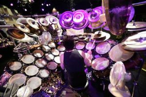 Terry Bozzio (thanks to John Janssens for correcting me)