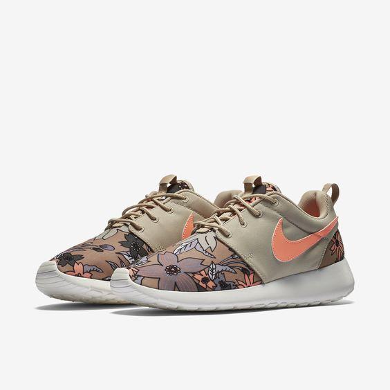 Nike Roshe One Print Women's Shoe. Nike Store