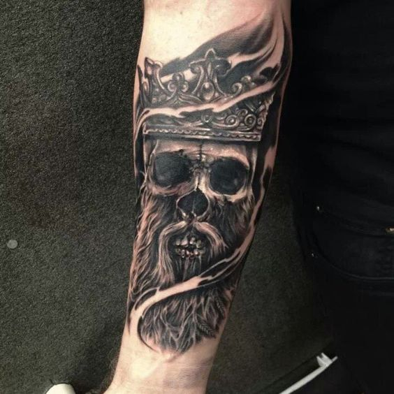 Latest addition to the Viking sleeve by Edgar Ivanov of #oldlondonroadtattoos #traditional #tattooist #tattoos #viking #skull #skulltattoo