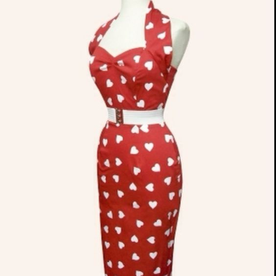 Curve-hugging red halter wiggle dress is perfect for a lunch date at the tropicana!!