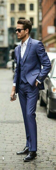 Se fores assim gostoso de barbinha até te dispenso a gravata ;)