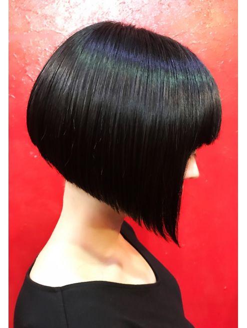 阿佐ヶ谷サンサンヨンキュー 3349 赤壁と 黒髪ボブ ヘアスタイル 髪型