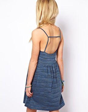 ASOS – Sommerkleid in Batikoptik mit Trägerdetail