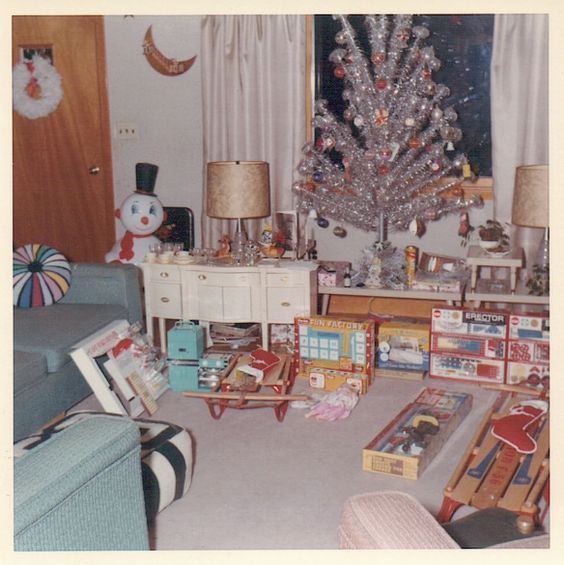 "60s' ""somewhere"" Christmas morning"