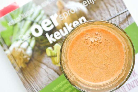 Dit oranje groentesapje zagen jullie al voorbij komen in mijn laatste eetdagboekje! Voor de liefhebber deel ik uiteraard nog even het recept!