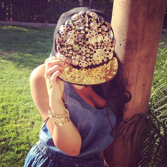 Mixers check out my new snap back my chicka Perrie got me from Boo Hoo! :) love love love! Leigh x