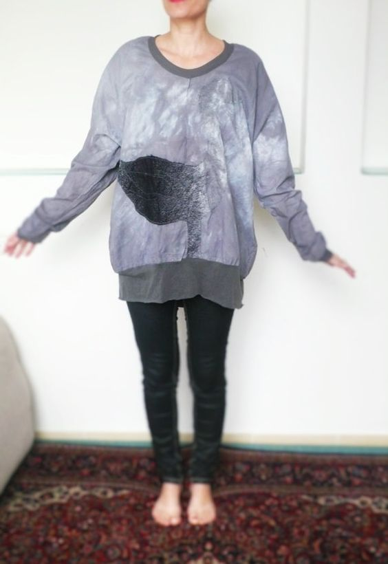 Light grey swan aplication oversized cotton by MyPoeticFactory