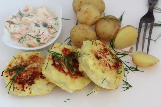Fiskefrikadeller ou croquettes danoises de cabillaud pour 4 personnes : 500 gr de cabillaud 1 oeuf 1cuil à soupe de maizena 2 cuil à café de moutarde de dijon 1, 5 dl de crème fraîche à 9% de MG le zeste d'un citron de l'aneth frais 30 gr de beurre  pour la rémoulade : 2 carottes 6 cornichons (remplacés par des câpres dans ma cuisine ) 1 pomme 2 cuil à soupe de mayonnaise 2 cuil à soupe de yaourt à la grecque 2 cuil à café de moutarde de dijon 1/4 cuil à café de curry 1 cuil à café de jus de…