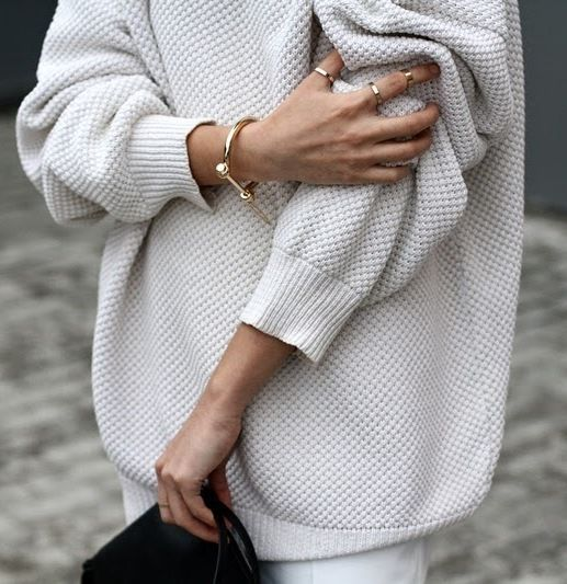 Oversized Waffle Knit Cream Jumper With Sleeves Pushed Up + Delicate Gold Jewellery