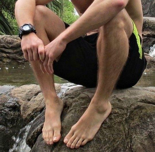 Pin By Bobstanton On Halkema Male Feet Bare Men Barefoot Men