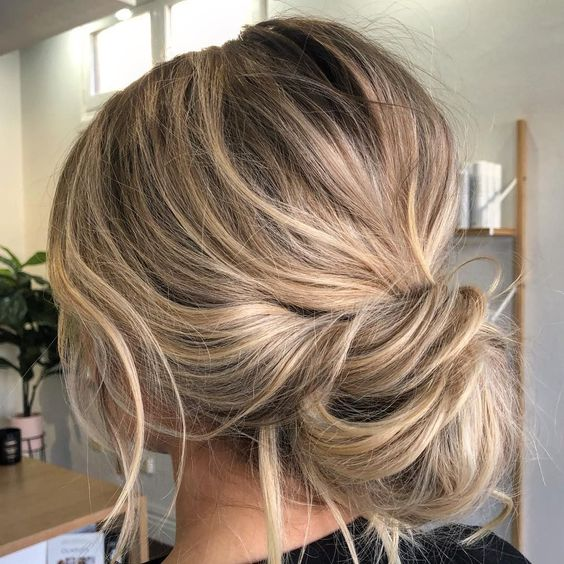 Gorgeous Super-Chic Hairstyle That's Breathtaking - Fabmood | Wedding Colors, Wedding Themes, Wedding color palettes