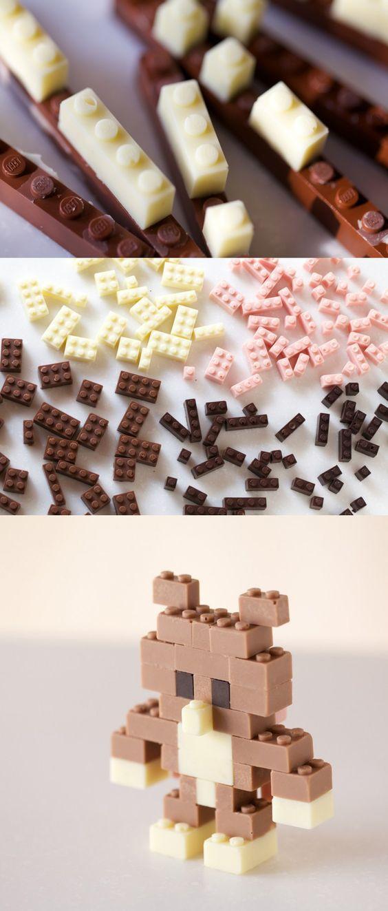 Jeux de Lego réalisé en chocolat, ici la notion de jeu, les règle de bonnes manières à table sont transgressées.