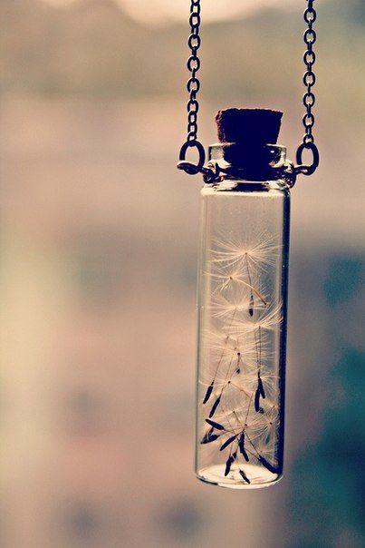 Кулон-бутылочка