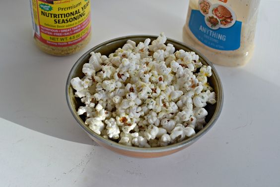 White Cheddar Ranch Popcorn is an easy and delicious way to make gourmet popcorn…