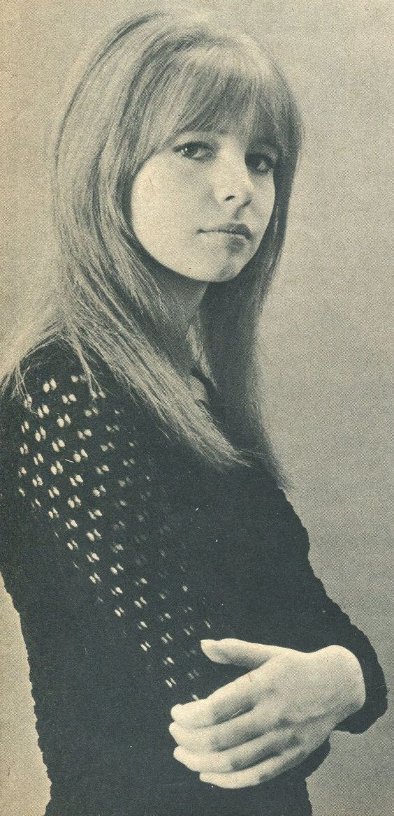Jane Asher, back in the 60's (when she was dating Paul McCartney) she is so gorgeous..