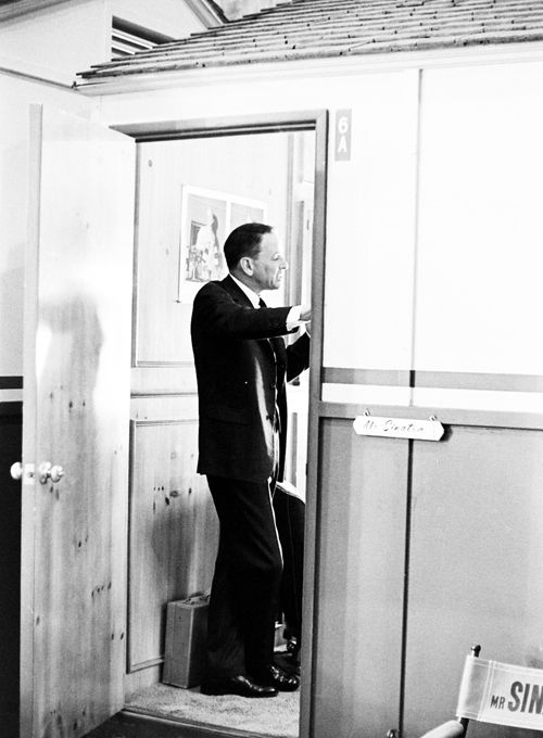 Frank Sinatra in his dressing room on the set of Marriage on the Rocks, photographed by John Dominis, 1965    (via factoseintolerant)