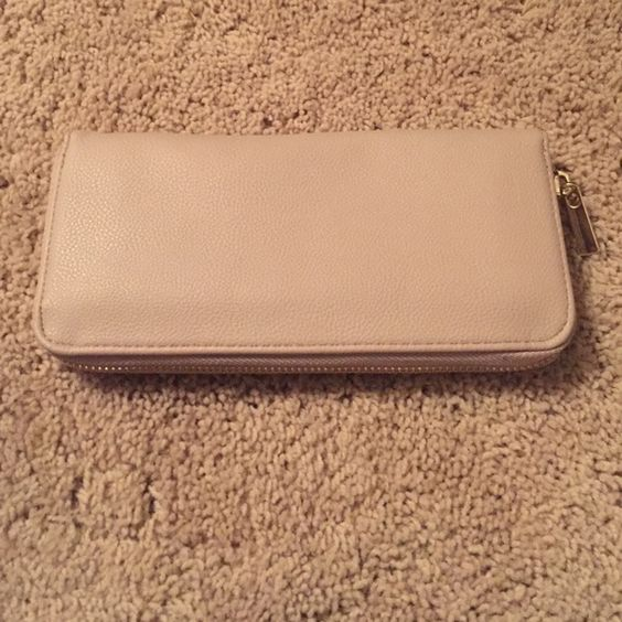 Tan wallet Lightly used Bags Wallets