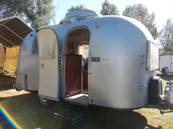1965 Airstream Caravel 14 Body 17 8 Overall Beautiful Mostly Original Condition S Camper Trailer For Sale Vintage Travel Trailers Retro Campers For Sale