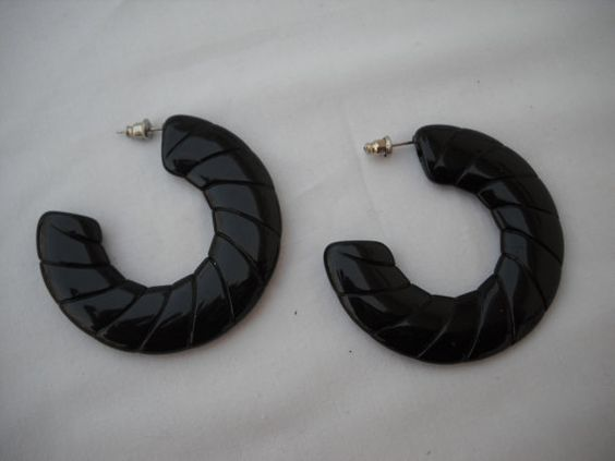 Women's Vintage Mod Large Black Lucite Earrings by vintagefinds61, $14.00