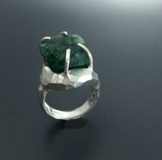 Rough stone ring Rustic emerald ring Nature jewelry by youzan on Etsy