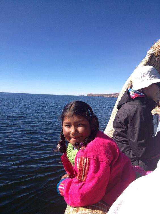 El Lago Titicaca y una Bella Modelo  Perú  #carmennco #puno #perú #titicacalake #lagotiticaca #traveling #mytrips