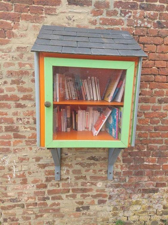 Boîte à Livres Cour-sur-Heure