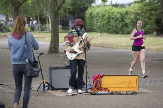 Chic star Nile Rodgers busks in London - http://streetiam.com/nile-rodgers-is-our-new-favourite-busker-watch-the-chic-star-perform-in-london/
