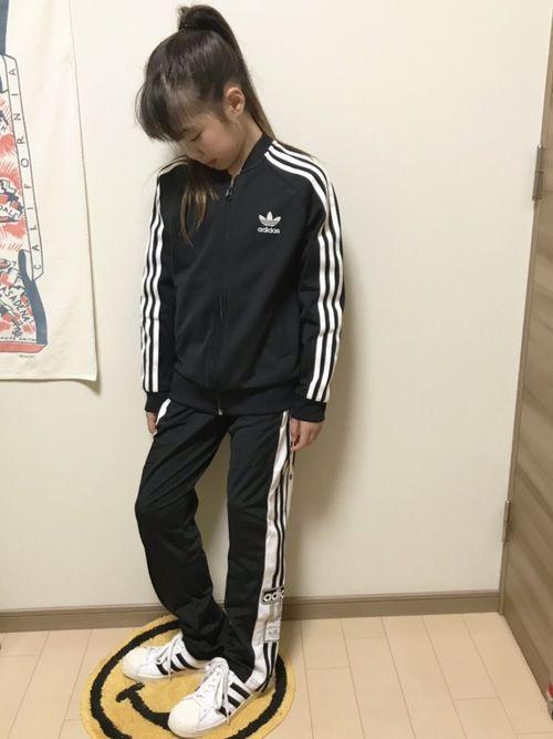 yuzu|adidas originalsのジャージを使ったコーディネート
