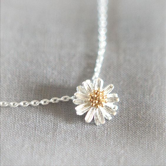 Tiny Silver Daisy Necklace by laonato on Etsy, $15.00