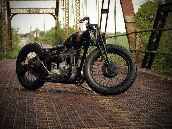 'Cause You Need ...: ... 125 cm3 Bobber style motorbike - Bebber Kustom