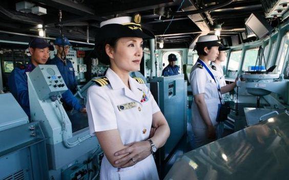 海上自衛隊女性艦長