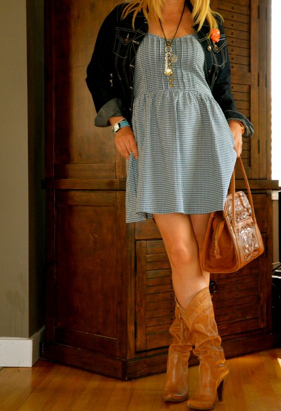 Blue dress and cowboy boots --- cute for my Nashville trip :)