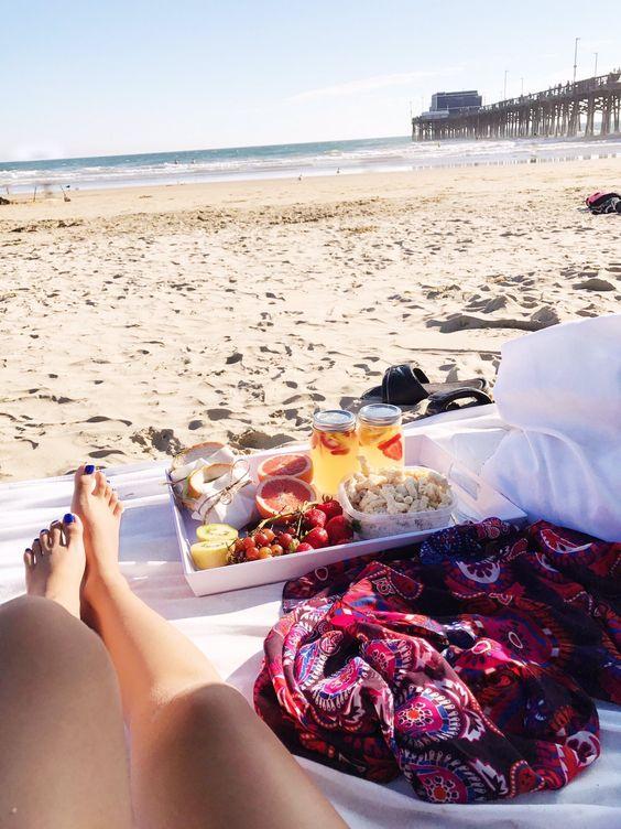 Date: love beach picnic dates w you