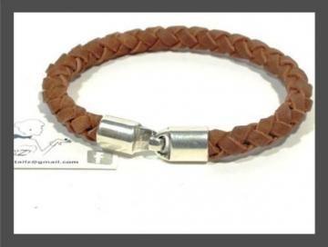 Unique bracelet for men, unisex Leather Bracelet FLETTE by Cozy Detailz by CozyDetailz for $19.00