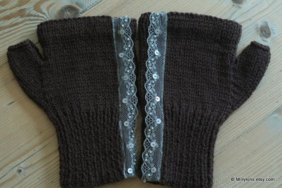 wrist warmers - lace detail