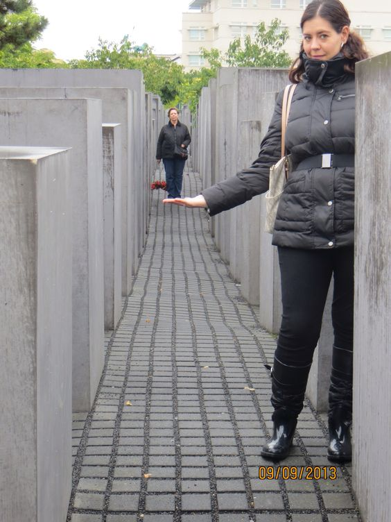 Ilusión òptica  Monumento al Holocausto.  Berlín, Alemania