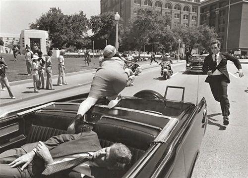 Resultado de imagem para Kennedy, morto a tiros em Dallas
