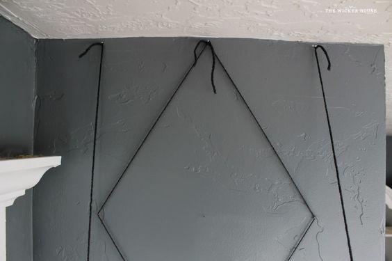 Art corda na parede do meu escritório usando a corda {ou Yarn} e pregos.  Looks Like Escultura de metal