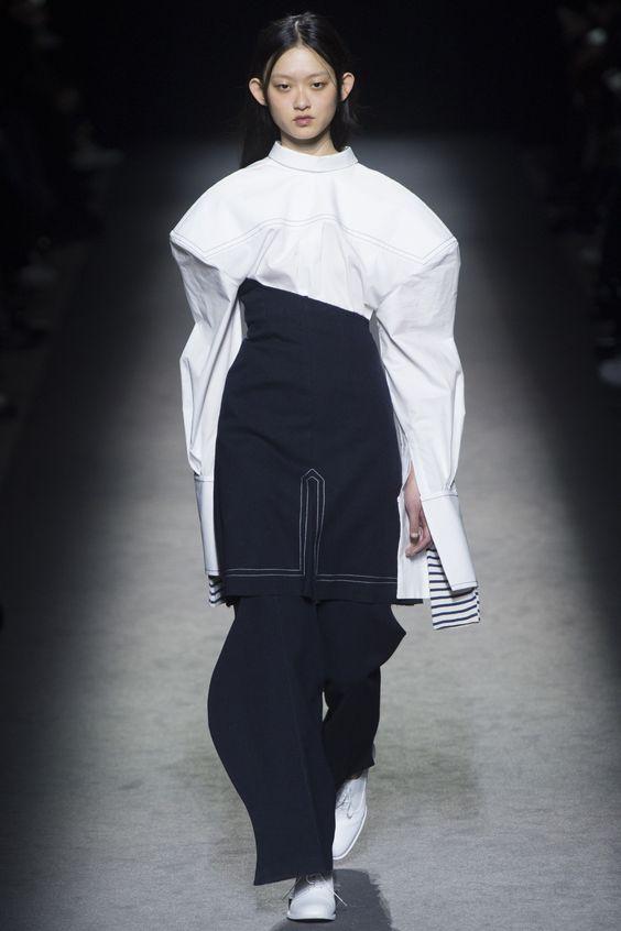 Jacquemus Fall 2016 Ready-to-Wear Fashion Show - Wangy Xinyu (Next)