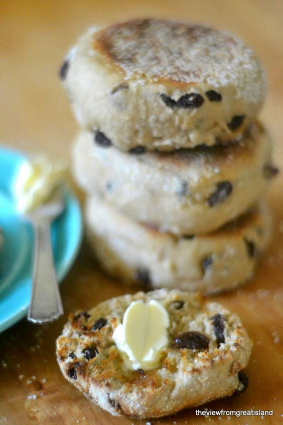 Homemade Cinnamon Raisin English Muffins: English Muffin Recipes, English Muffins, Recipe Theviewfromgreatisland, Bread Muffins, Food Breads, Breads Muffins, Recipes Bread, Cinnamon Raisinmuffins, Muffins Breads