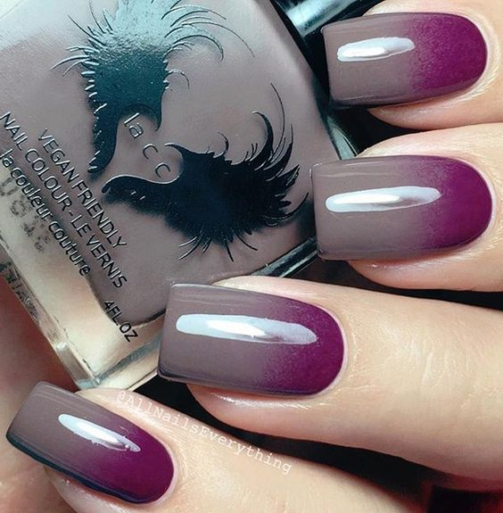 Red violet and gray gradient winter nail art design. If you want a classy and elegant nail art design then going with gradient is always the best choice no matter what color you combine.:
