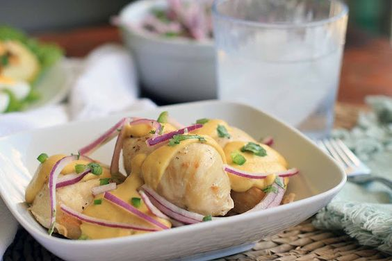 Pollo con Salsa De Quinua a la Huancina- Peruvian Chicken with Quinoa, Cashew and Goat Cheese Sauce | Girl Cooks World