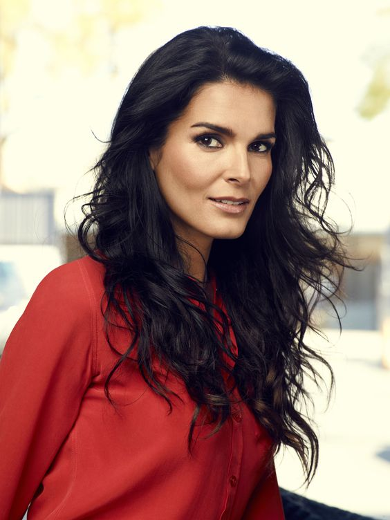 Angie Harmon!! She's so beautiful & funny!!! I love her sense of humor, and she's in my favorite crime show, 'Rizzoli & Isles'!!