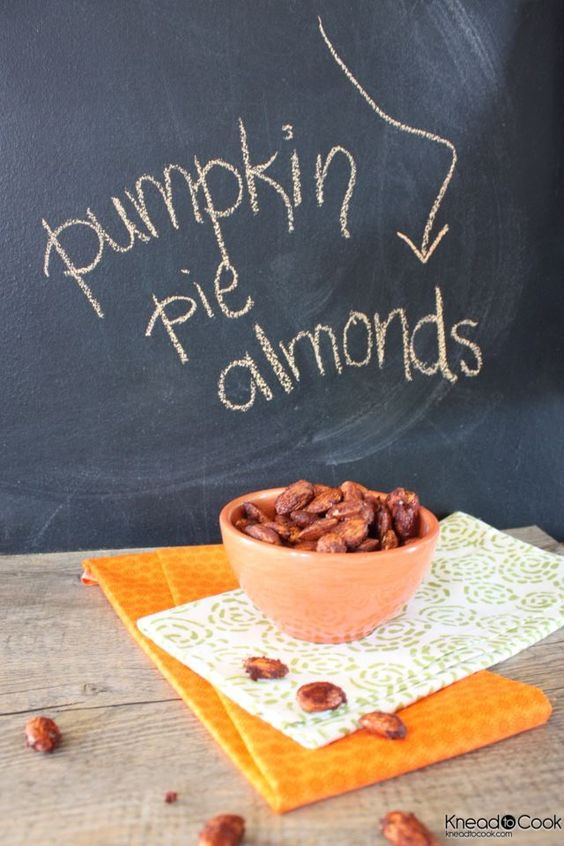 Pumpkin pie almonds.  Perfect for Halloween time!: Pumpkin Almond, Roasted Almond Recipe, Almonds Yum, Roasted Almonds, Pumpkin Pies, Pie Almonds, Pumpkin Pie Spice