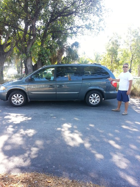 TOWN & COUNTRY-LEATHER-TOURING MODEL FOR RENT ORLANDO FL