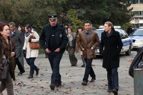 Kevin Corrigan, Anthony Harrison, and Anna Torv in Fringe (2008) Sam Wisse