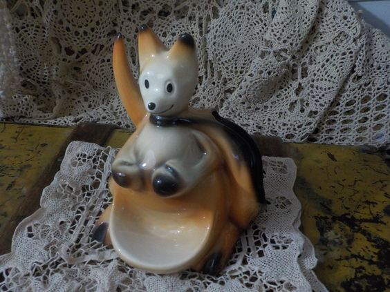 Kangaroo Planter 1956 USA  Fine Ent Inc On the side of it by Daysgonebytreasures on Etsy